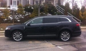 Lincoln-MKT-Town-Car