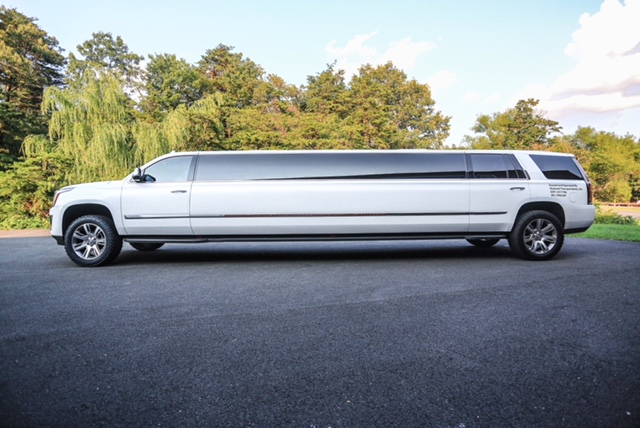 Cadillac-Escalade-Stretch-Limousine