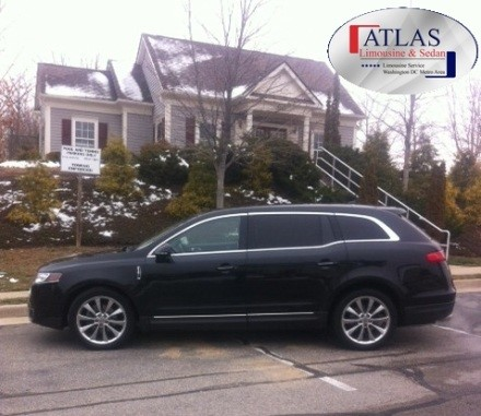 Lincoln-MKT-Town-Car11